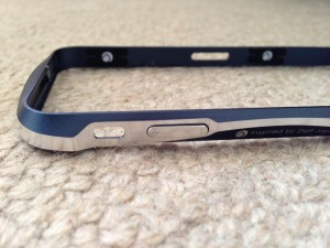 CLEAVE ALUMINUM BUMPER for iPhone 5(左)